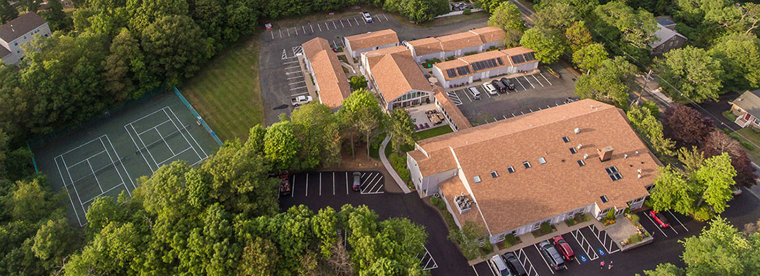 rockport inn suites hotel aerial view